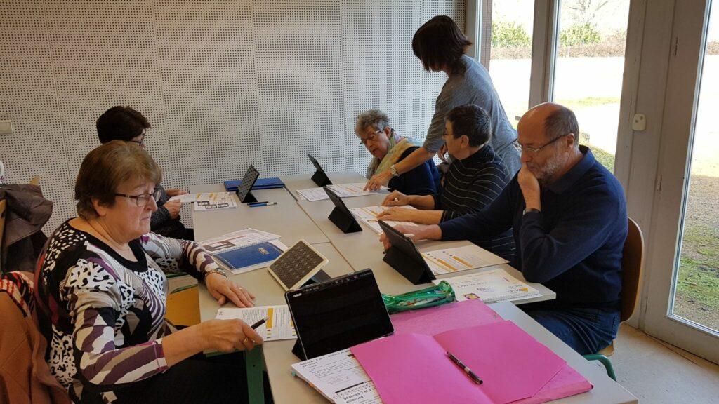 atelier numérique seniors saint Didier sur Chalaronne