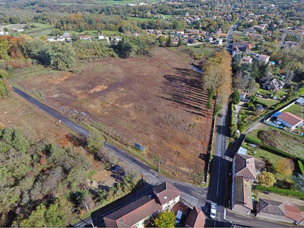 Vue aérienne de l'emplacement du futur collège de Saint-Didier-de-Formans