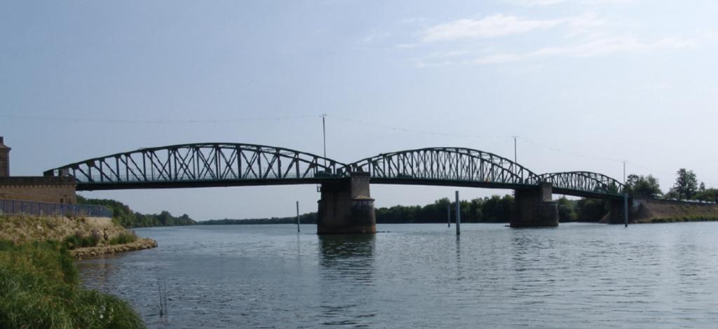 Vue panoramique du Pont de Fleurville en 2020
